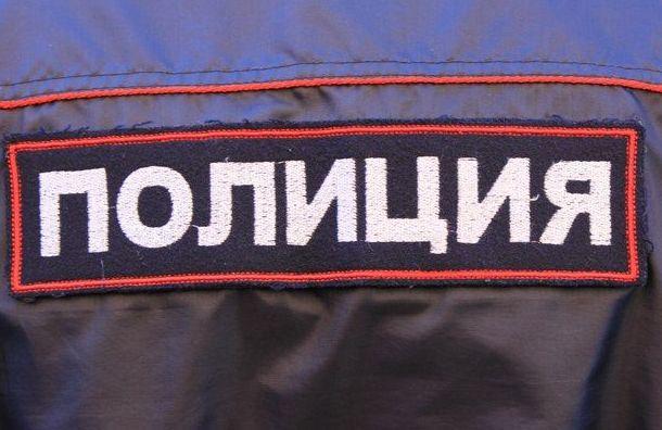 Труп мужчины с посланием к прокурору нашли на остановке в Ленобласти