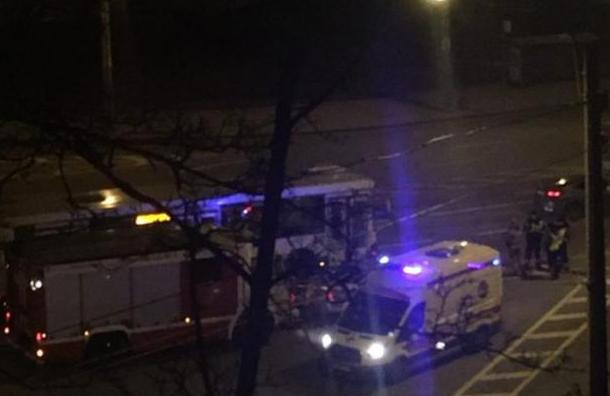 Рейсовый автобус столкнулся с автомобилем на Гамбургской площади