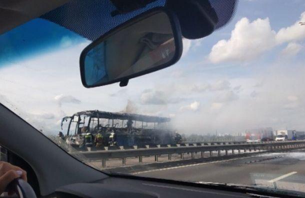 Пассажирский автобус сгорел на Витебском проспекте