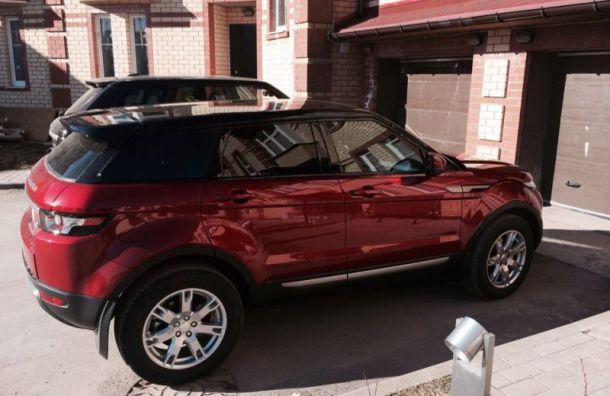 Range Rover за 4 млн руб. угнали у петербурженки