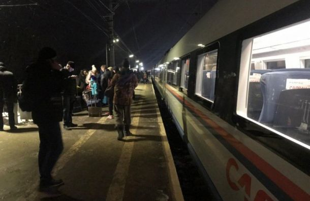 «Сапсан» сломался по пути из Санкт-Петербурга в Москву