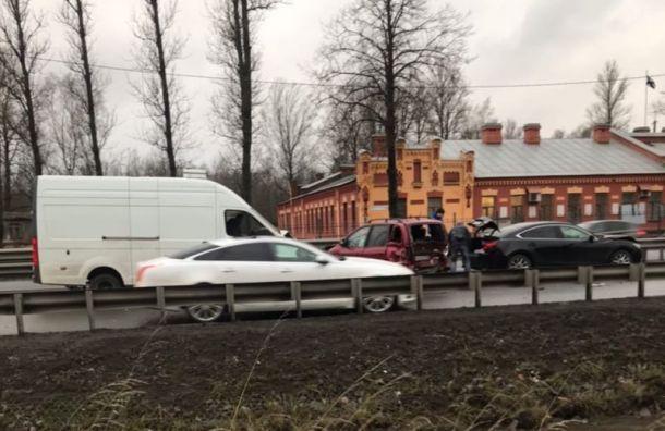 Трое пострадали в аварии на Рябовском шоссе