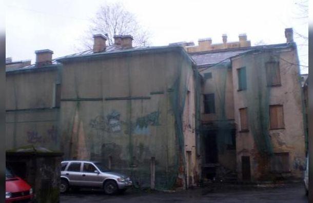 Суд встал на сторону градозащитников в деле «омоложения» дома на Ропшинской