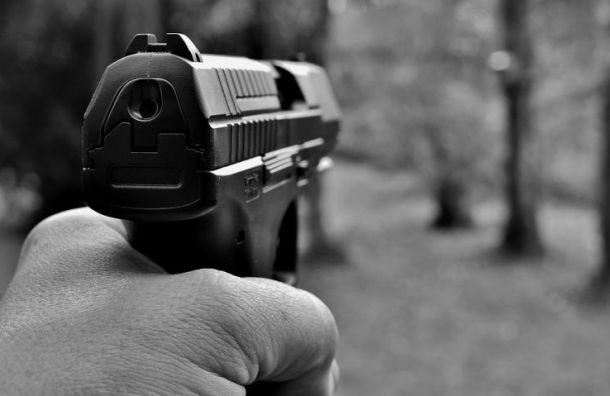 Житель Петербурга из-за долга убил давнего знакомого из Новгорода