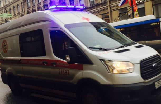 Пенсионер пострадал в ДТП с Renault в Ленобласти
