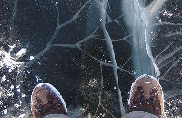 Две дамы провалились под лед во Всеволожском районе