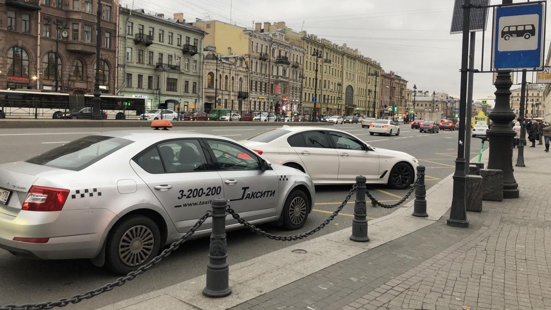 Для петербургских таксистов разработают стандарты этичного поведения