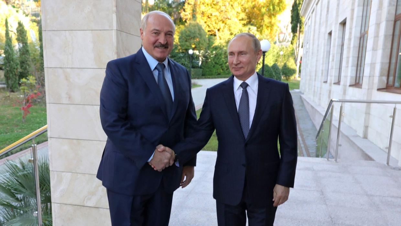 Лукашенко во вторник встретится с Путиным в Петербурге