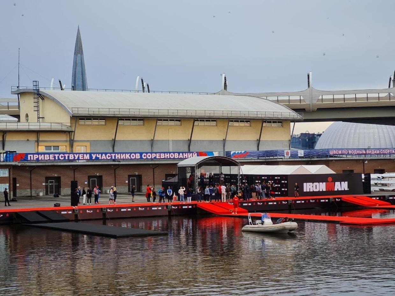 В Петербурге проходит гонка по триатлону IRONMAN