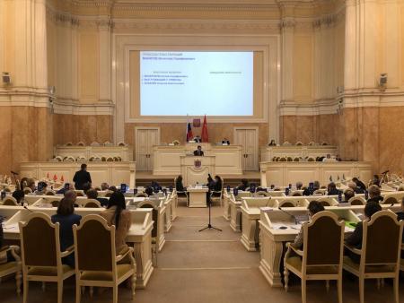 Депутат отчитала коллег из-за ужесточения масочного режима