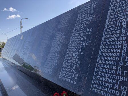 Беглов посетил новый мемориал кладбища