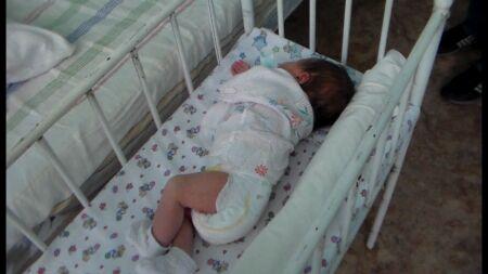В Петербурге проверили, как живут дети суррогатных матерей