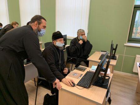 В Петербурге духовые школы РПЦ перешли на дистанционный формат