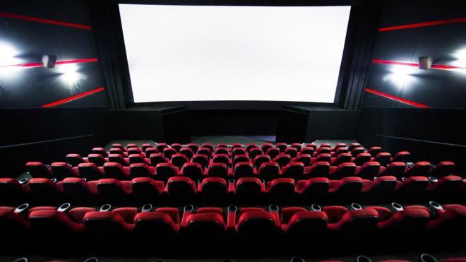 Кинотеатры и фуд-корты Петербурга откроют 30 августа