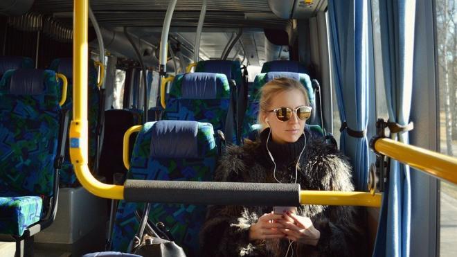 В Петербурге кондукторам предложили не пускать в транспорт пассажиров без СИЗ