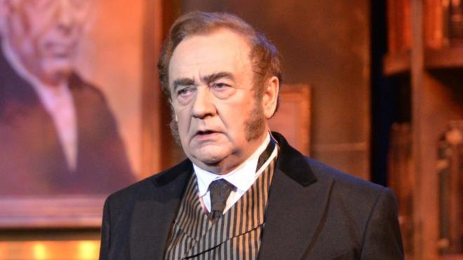 На 77 году жизни скончался актёр Театра музкомедии Виктор Чубаров