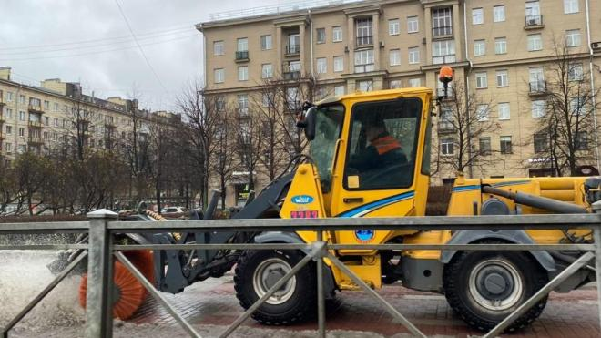 Дорожники сообщили о готовности к снегопаду в Петербурге