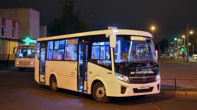 Водители петербугских маршруток шарахаются от людей без масок