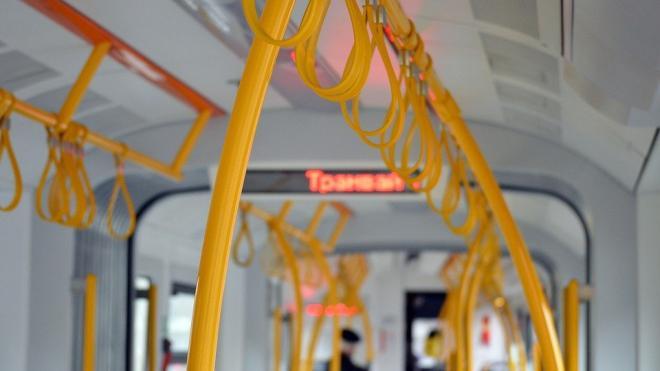 В Петербурге в троллейбусе умерла 59-летняя пассажирка