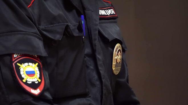 Петербургский полицейский поймал выпавшую из окна пенсионерку