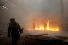 Из горящей квартиры в Кировском районе смогли спасти женщину с детьми
