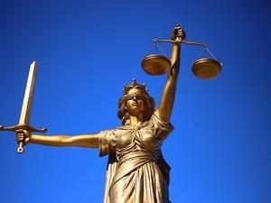 Суд прекратил дело экс-замглавы МВД по Петербургу Абакумова о поддельном документе