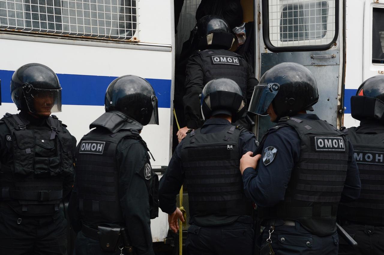 Двух участниц группы Pussy Riot задержали в Москве