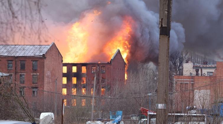 Суд Петербурга принял иск КГИОП о реставрации сгоревшей Невской мануфактуры