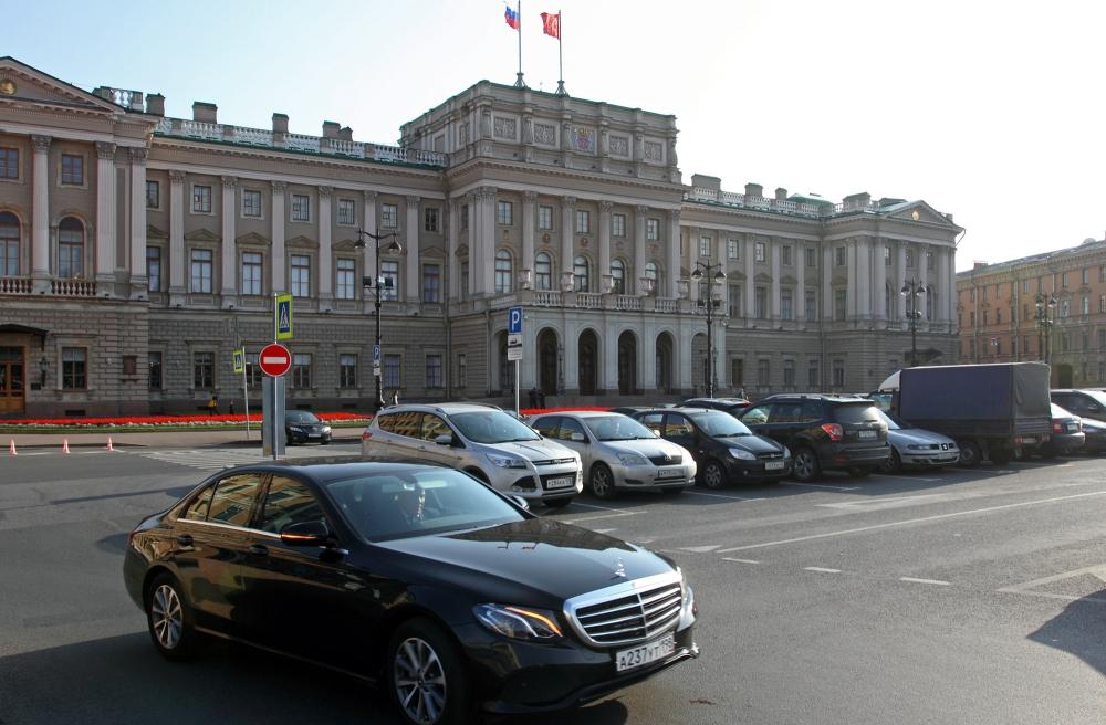 В Петербурге сократили бюджет территориального фонда ОМС до 120 млрд