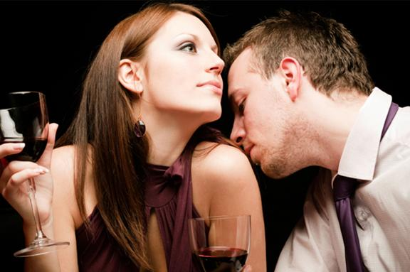 Excite Pheromone Products How-Can-Women-Attract-Men-with-Perfumes-makeupandbeauty5