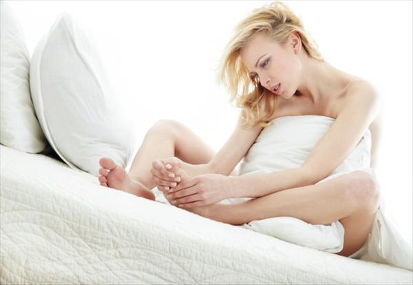Toe Gout: Gout- Warning Signs Pain-During-Night3