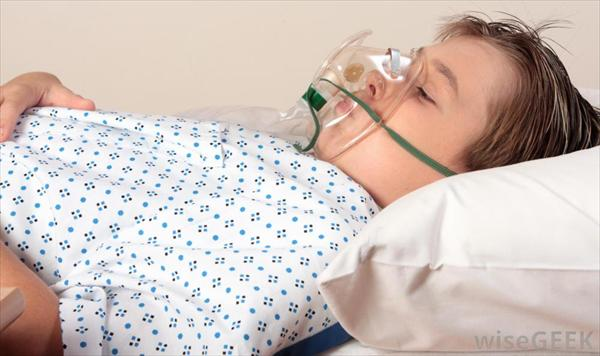 Bronchitis Green Mucus and Bronchitis in Children and 20 Child-in-gown-with-oxygen-mask1