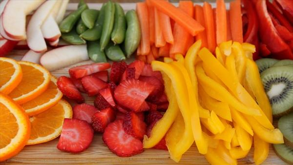 How to Treat Your Hemorrhoids Naturally How-to-treat-hemorrhoids-eat-plenty-of-fresh-vegetable-and-fruits
