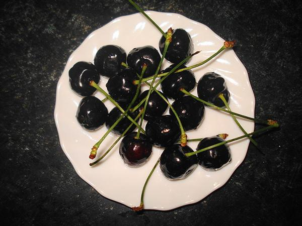Gout Diet Gout, Natural Gout Cure: Cure Gout, Lose Weight And Decrease Heart Disease Px-Cherry-Black