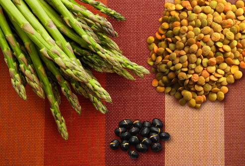 Gout Herbal Treatment and Know about Anti Gout Diet Tips Thinkstock-rf-photo-of-asparagus-and-beans-on-linen0