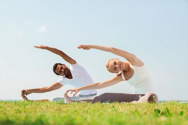 Treatment of Sinusitis Yoga-couple