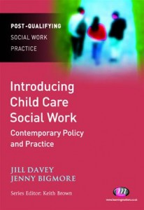 Baixar Introducing child care social work: contemporary pdf, epub, eBook