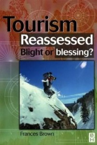 Baixar Tourism Reassessed: Blight or Blessing pdf, epub, eBook