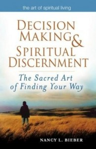 Baixar Decision Making & Spiritual Discernment: The Sacred Art of Finding Your Way pdf, epub, eBook
