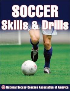 Baixar Soccer skills & drills pdf, epub, ebook