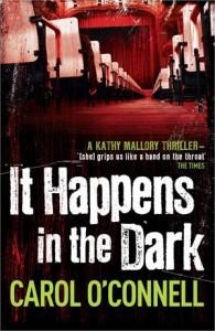 Baixar It happens in the dark pdf, epub, eBook