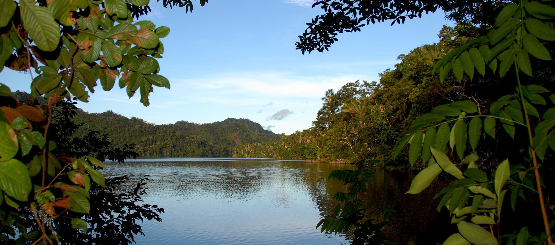 Cordillera Laguna Del Mundo Perdido