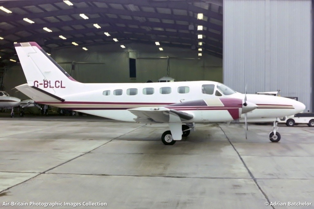 Aviation photographs of Registration: G-BLCL : ABPic