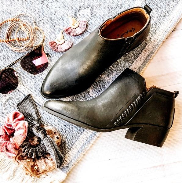 Strider Black Boots