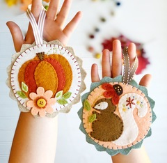 Pumpkin Spice Felt ornament set