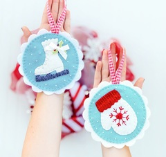 Winter Bliss Traditional Felt Ornament Kit