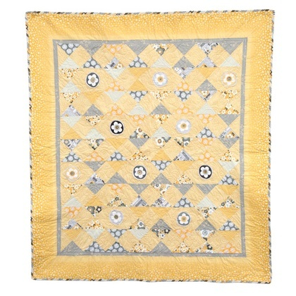 Diamond & Daisies Quilt Kit