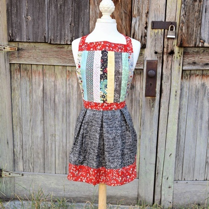 Pretty Pleats Apron