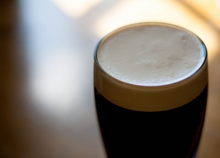 drink-beer-alcohol-close-up-cheers-foamy-399702-pxhere.com