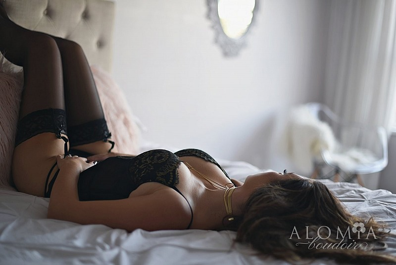 Boudoir Shoot with Amazing Miss T